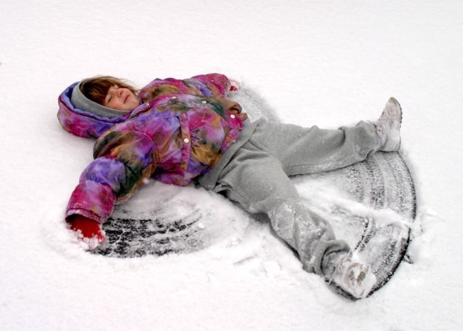 Xmas 04 Roch VH snow angel ~